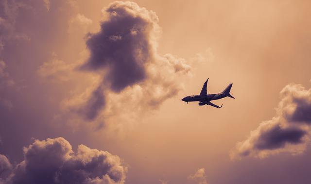 plane-2181180_640